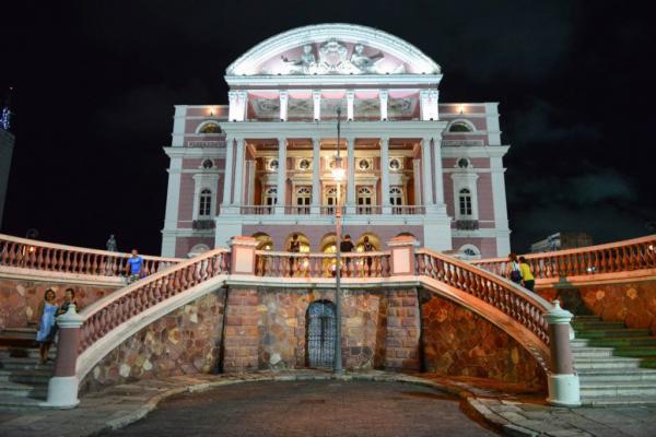 Teatro Amazonas registra o maior público de visitação turística em 22 anos