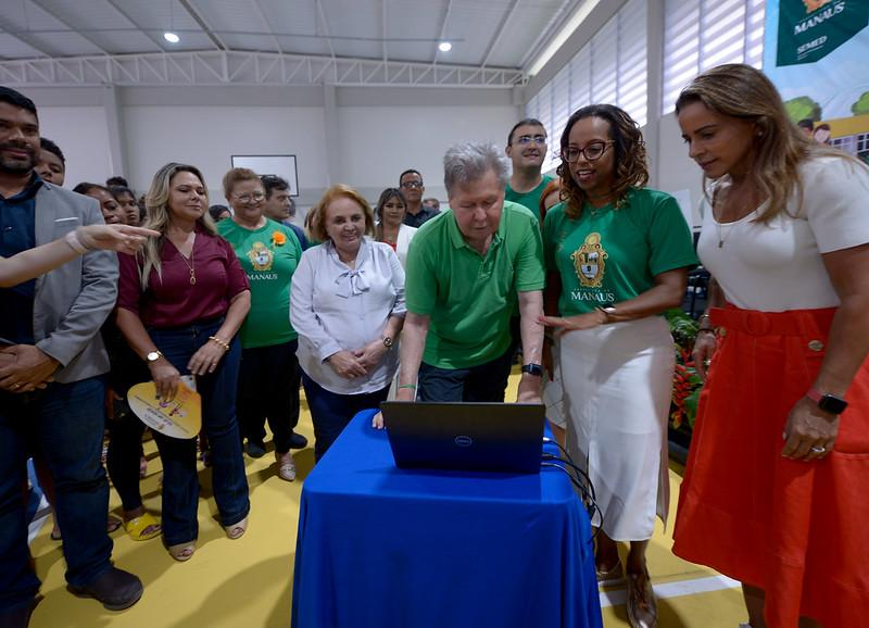 Prefeito Arthur inaugura primeiro Cime na zona Leste
