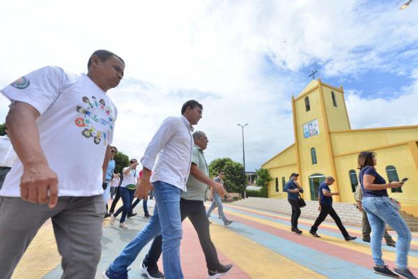 Wilson Lima e ministro da Cidadania visitam programa exitoso de assistência social no Careiro da Várzea