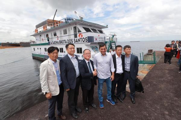 Wilson Lima entrega primeira UBS Fluvial Inteligente do Amazonas, que vai atender população ribeirinha de Manacapuru