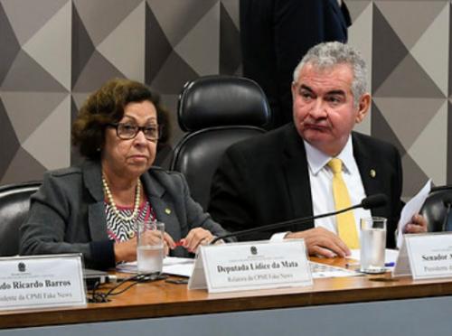 CPI das Fake News pauta convocação de Carlos Bolsonaro, Lula e Dilma