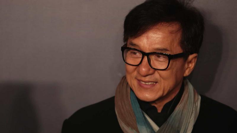 Jackie Chan oferece R$ 620 mil para quem encontrar cura do coronavírus