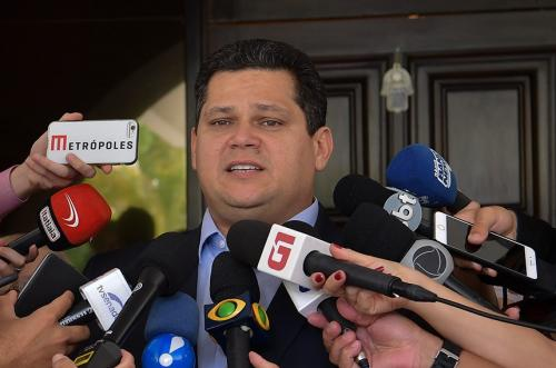 Davi acompanha situação do senador Cid Gomes, ferido em conflito no Ceará