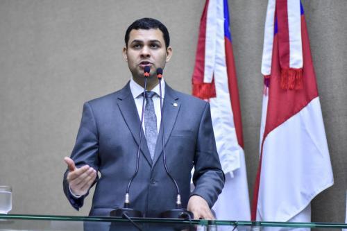 Saullo Vianna pede instalação de polo da UEA e ampliação de cursos do CETAM em Silves