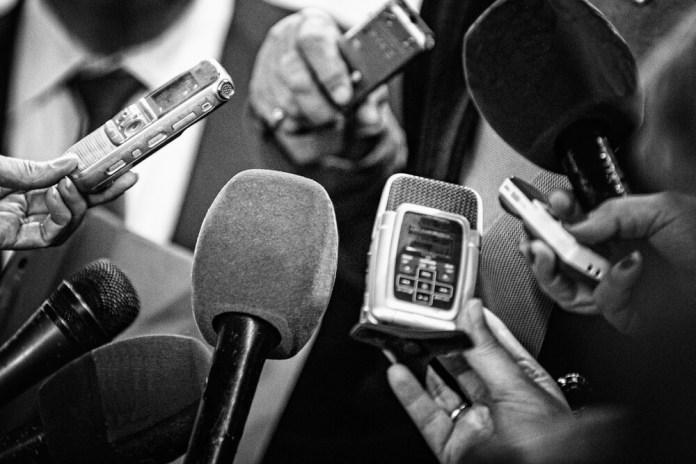 Governo decreta imprensa e radiodifusão como serviços essenciais para combater Coronavírus
