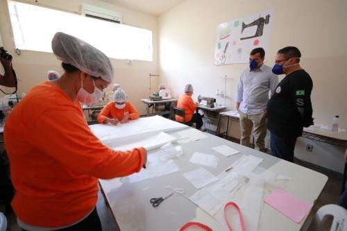 Sistema prisional irá confeccionar máscaras de proteção e firma parceria para produção de álcool 70º contra o covid-19