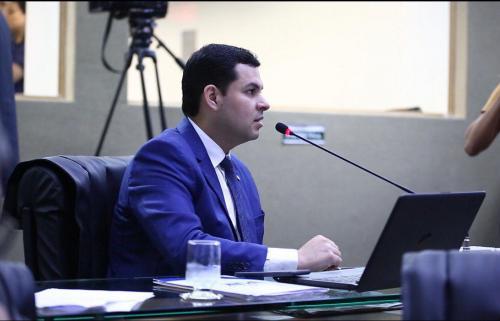 PL de Saullo Vianna pede prorrogação do vencimento de licenciamentos e suspensão de vistorias durante pandemia do Covid-19