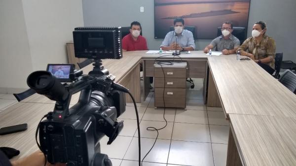 Prefeitura de Parintins declara toque de recolher e distribuição de cestas básicas