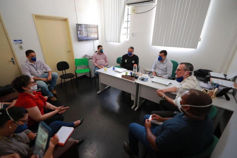Empresas do setor privado irão produzir álcool 70º para doação à rede pública do Amazonas