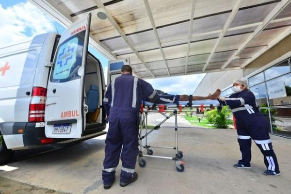 Governo do Estado realiza transferência de pacientes que já estavam internados no Delphina Aziz para outras unidades de saúde