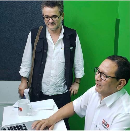 Prefeito Arthur comemora alta médica do escritor Tenório Telles