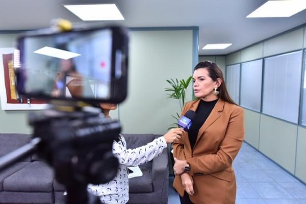 Deputada pede intervenção na Aleam após presidente Josué decidir sozinho membros da CPI