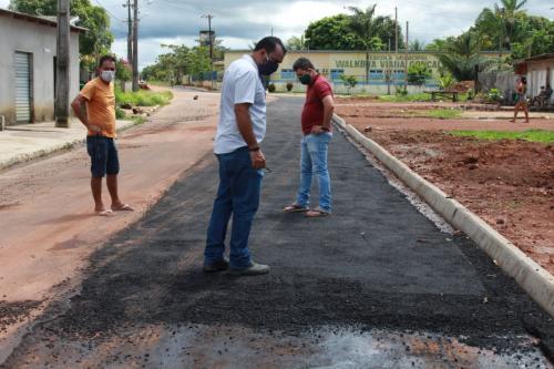 Após instalação de oleoduto, Semosp Parintins fiscaliza recuperação de rua no Caburi