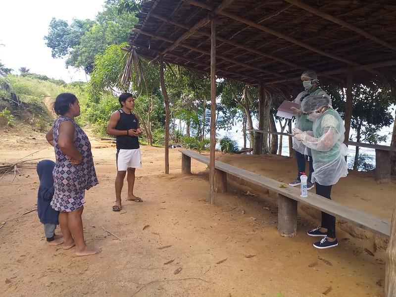 Indígenas Tuyuka, Tatuio, Daikuru e Cipiá na Reserva do Tupé recebem cestas de alimentos da prefeitura de Manaus