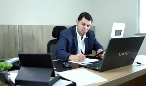 Deputado Saullo  pede hospital de referência para pacientes do interior do Amazonas