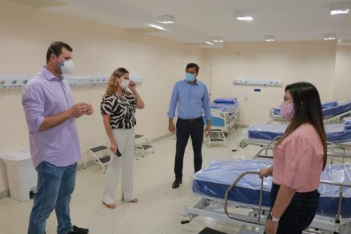 Wilson Lima acompanha preparação de ala indígena no Hospital de Combate à Covid-19, na Nilton Lins