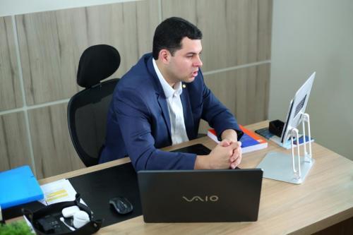 Deputado Saullo cobra ação do Procon contra preços abusivos de remédios no interior