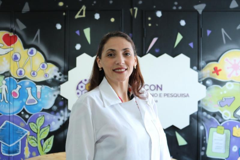 Servidora da FCecon é selecionada para concorrer a prêmio nacional de tese