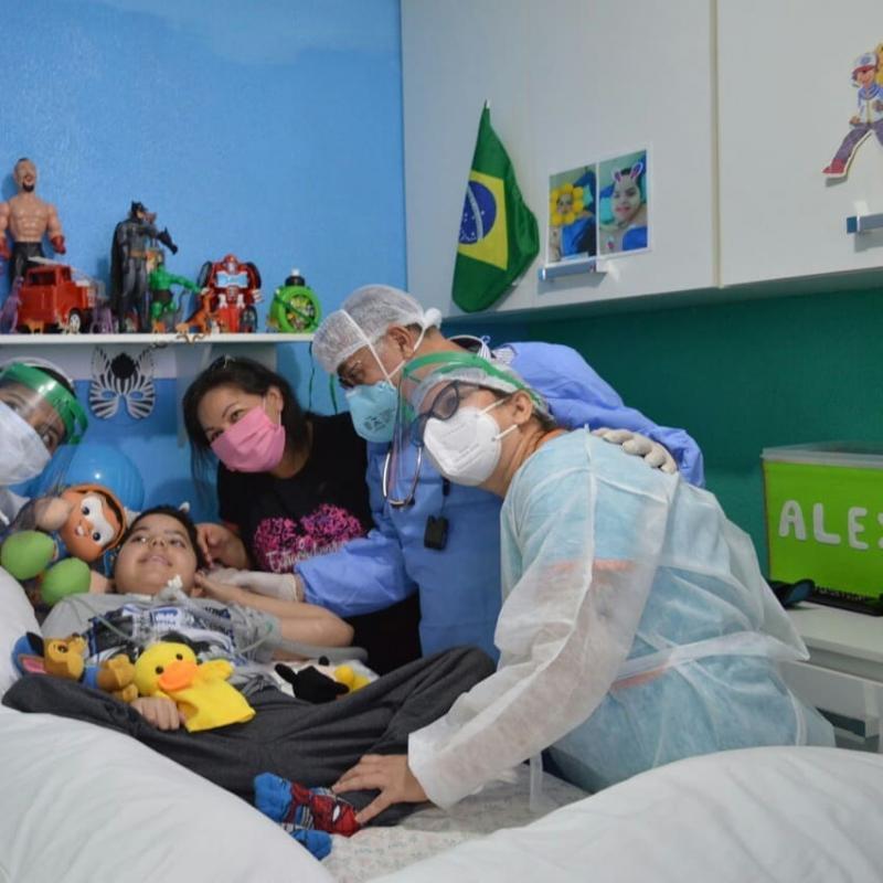 Pequeno Alex Miranda é liberado depois de  09 anos internado na Unidade Semi-intensiva do ICAM