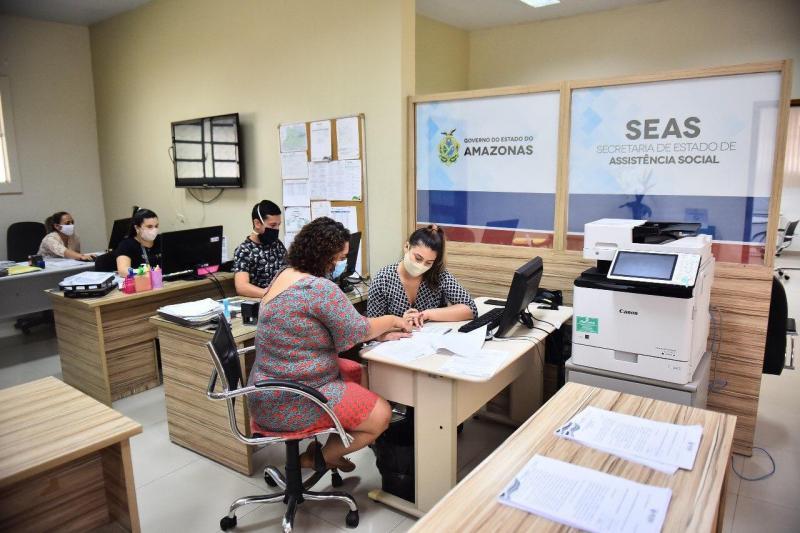 Mais de 8 mil pessoas  são convocadas no AM para retirada dos cartões do programa 'Apoio Cidadão' nos Correios