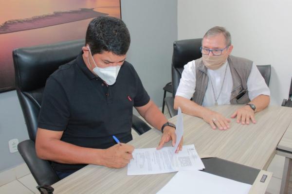 Prefeitura de Parintins repassa mais de R$ 2 milhões ao hospital Padre Colombo
