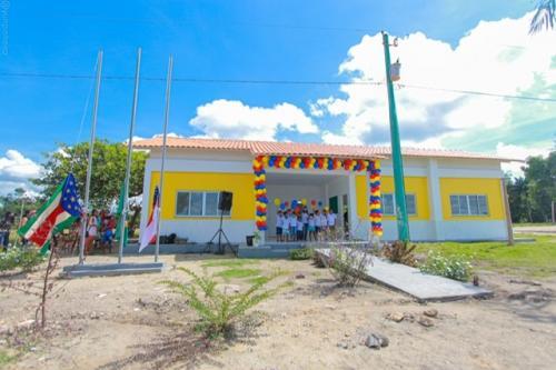 Mais três comunidades da zona rural de Parintins são beneficiadas com escolas padrão