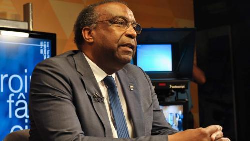 Publicado decreto que torna sem efeito nomeação do quase empossado Ministro Decotelli