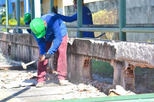 Construção do ginásio começou na escola Irmã Cristine pela prefeitura de Parintins