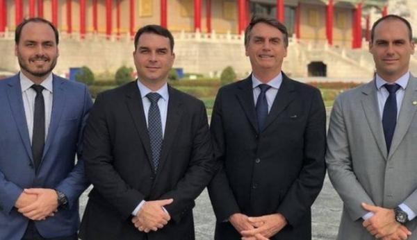 Facebook derruba rede de fake news de funcionários dos gabinetes da família Bolsonaro e PSL