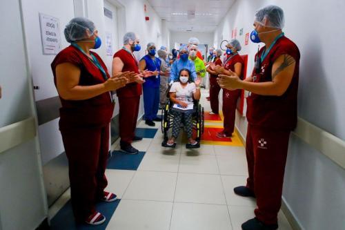 Covid-19: Hospital Delphina Aziz chega à milésima alta médica