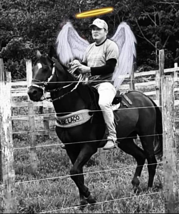 Eder Júnior foi cavalgar no céu