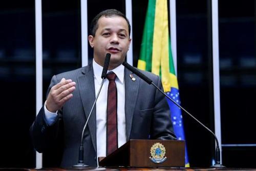 Justiça Federal determina sequestro de bens de Delegado Pablo por usar mãe e irmão como 'laranjas'