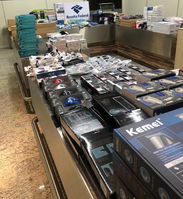 Mais de 900 produtos eletrônicos são apreendidos com passageiro que chegava de SP a Manaus