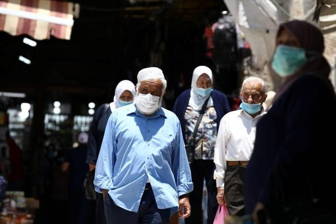 Máscara que mata novo coronavírus é desenvolvida em Portugal