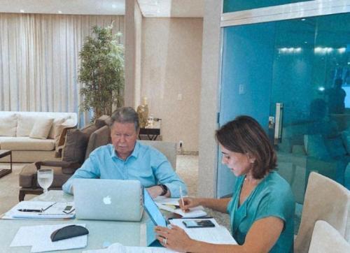 Prefeito Arthur Neto retoma atividades e realiza reunião com secretariado