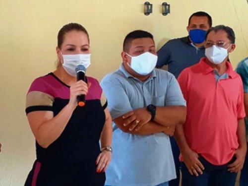 Carol Braz pré-candidata a prefeita de Manaus reúne com os  pré-candidatos a vereador do PSC