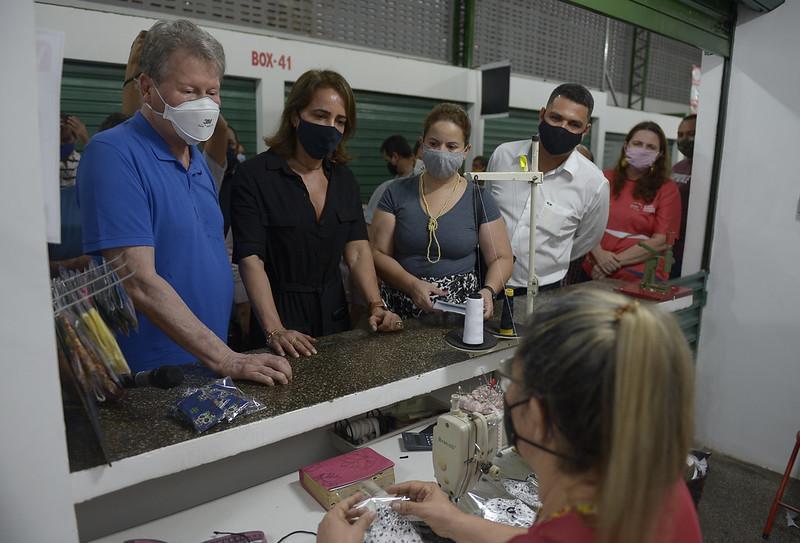 Mercado municipal Senador Cunha Mello é entregue revitalizado