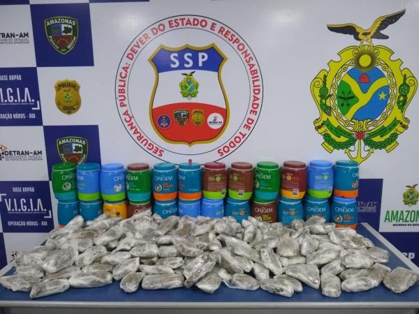 Base Arpão detém quatro mulheres com drogas escondidas em potes de creme de cabelo
