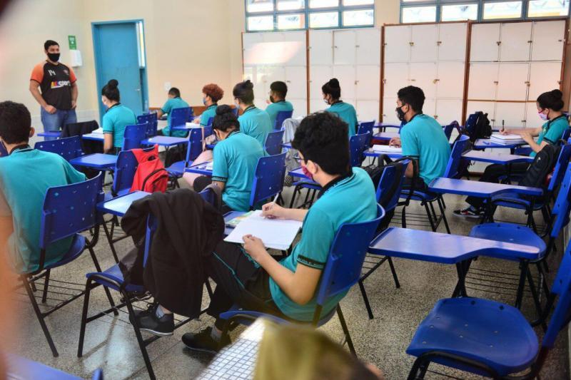 Amazonas lança Consulta Pública sobre novo Currículo para o Ensino Médio
