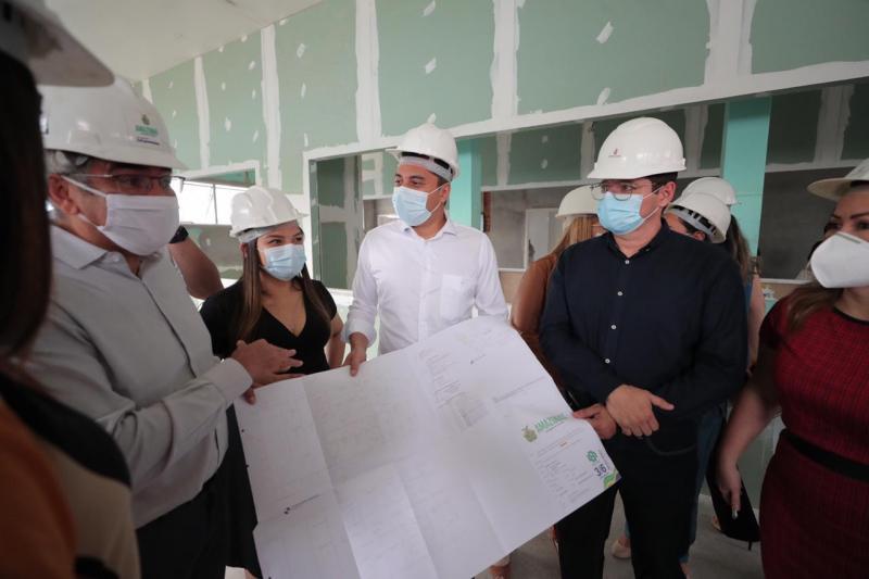 Wilson Lima vistoria obras de ampliação da Maternidade Balbina Mestrinho e anuncia mais investimentos em unidades