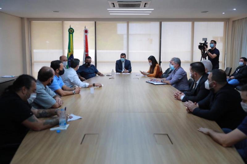 Wilson Lima recebe representantes do setor de bares e restaurantes para discutir novas medidas de prevenção à Covid-19