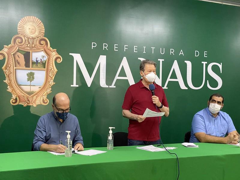 Prefeito Arthur lança editais com mais de 82 mil bolsas de cursos de graduação, pós-graduação e idiomas