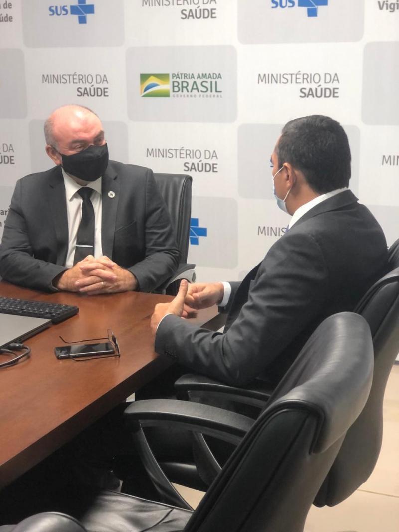 Em Brasília, Wilson Lima anuncia que o Amazonas receberá mais 300 mil testes RT-PCR do Ministério da Saúde
