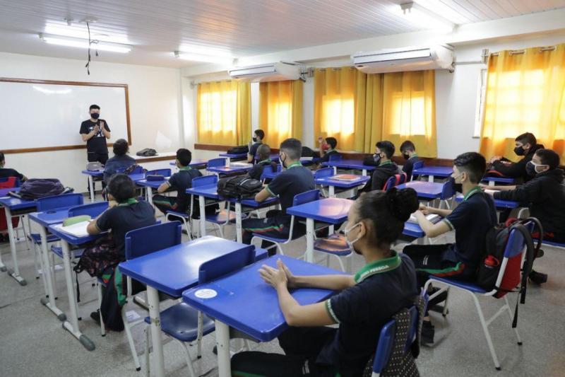 Retomada das aulas presenciais garante conclusão do ano letivo aos alunos da rede pública estadual