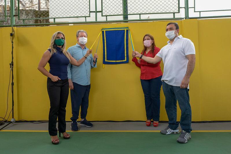 Prefeito Arthur entrega quadra poliesportiva revitalizada aos moradores da Vila Mamão, na zona Sul