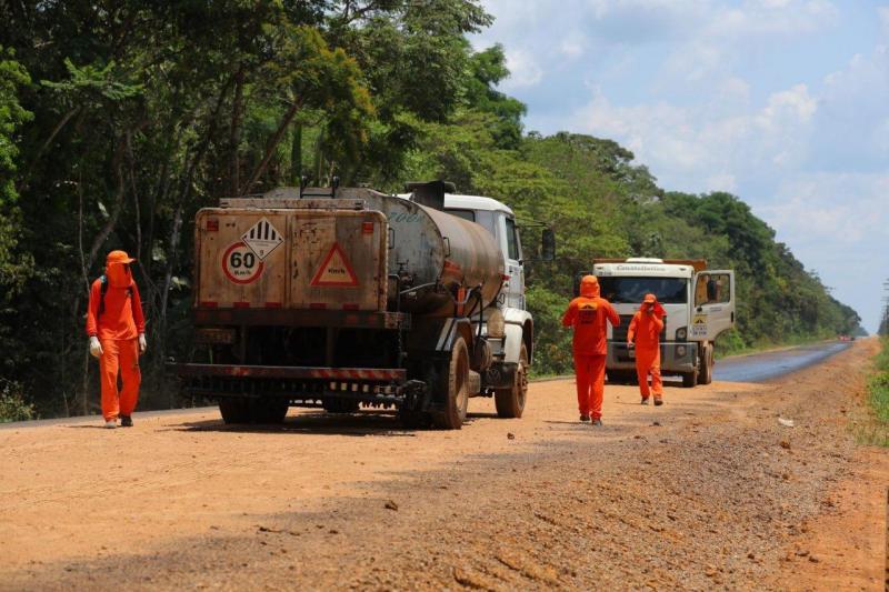 BR-319: obras de manutenção impulsionam desenvolvimento e facilitam tráfego de serviços essenciais