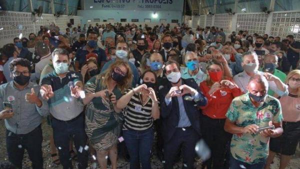 Deputada usa licença médica para fazer campanha eleitoral em São Paulo