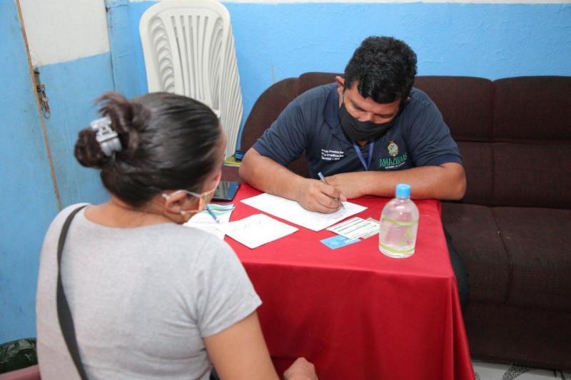 GovernodoAmazonaspromoveatendimentodoPrograma CréditoSolidárioemManaus
