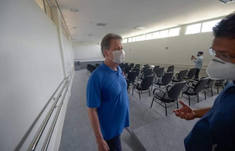 Prefeito Arthur garante entrega do Cime Josefina Castro, na zona Leste, para o dia do aniversário da cidade