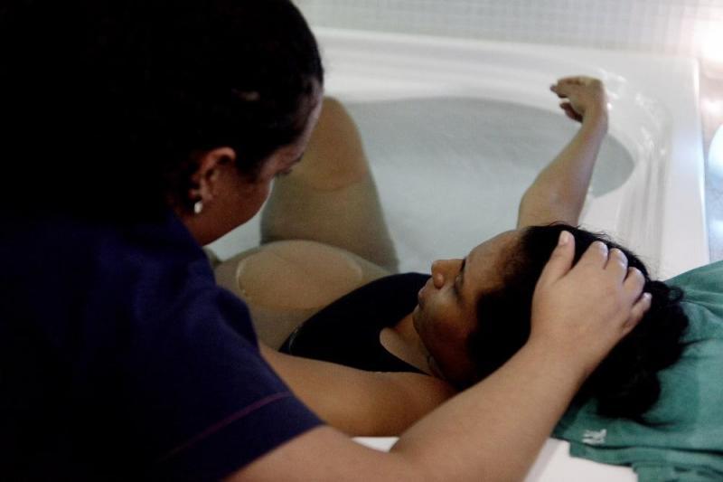 Maternidade Balbina Mestrinho recebe certificação nacional por projeto de parto na água